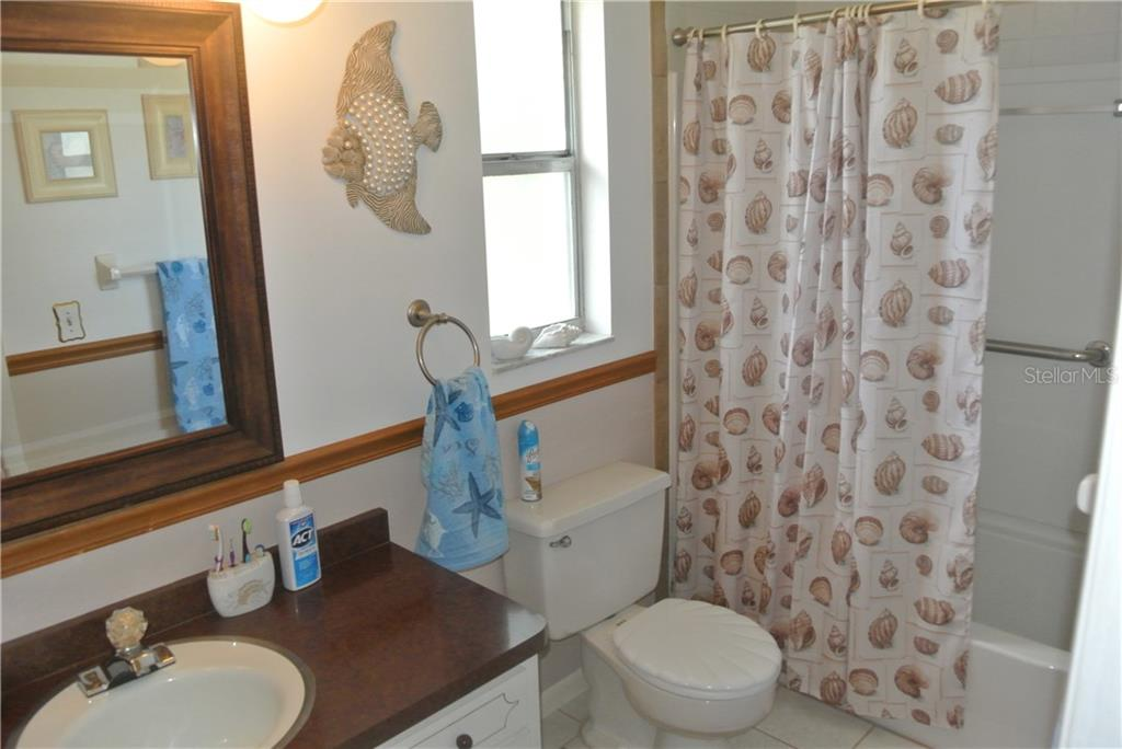 Master Bathroom - Single Family Home for sale at 111 55th St Nw, Bradenton, FL 34209 - MLS Number is A4414676