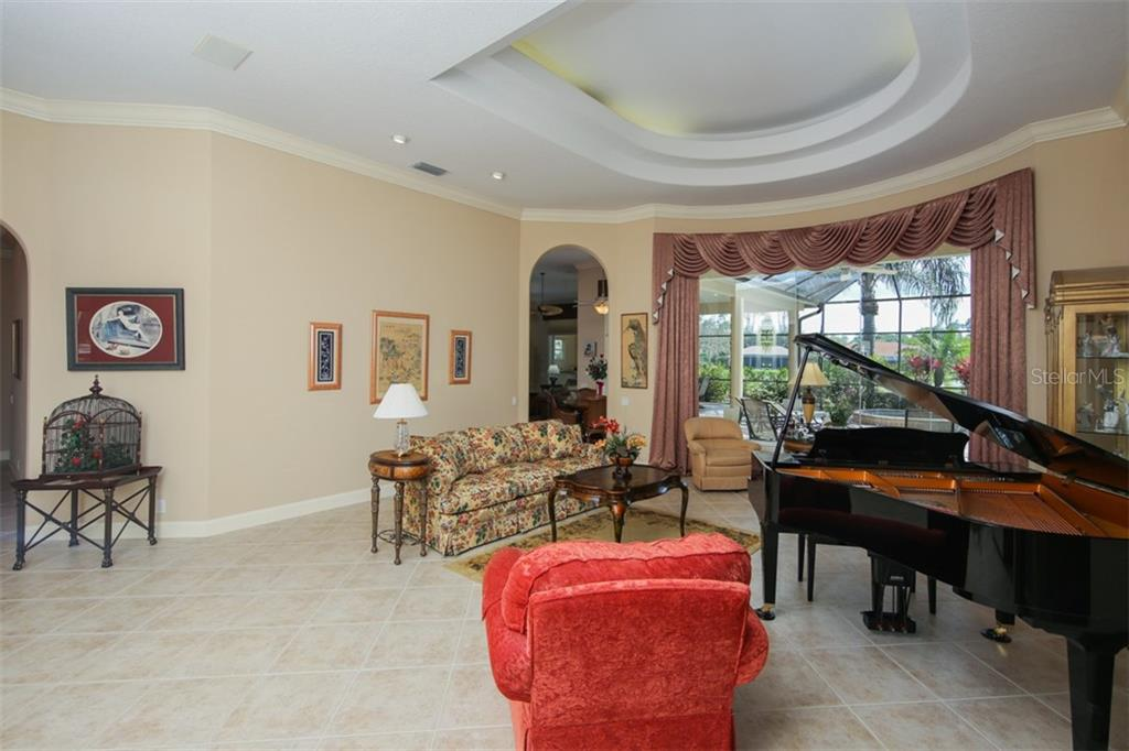 Single Family Home for sale at 687 N Macewen Dr, Osprey, FL 34229 - MLS Number is A4415614