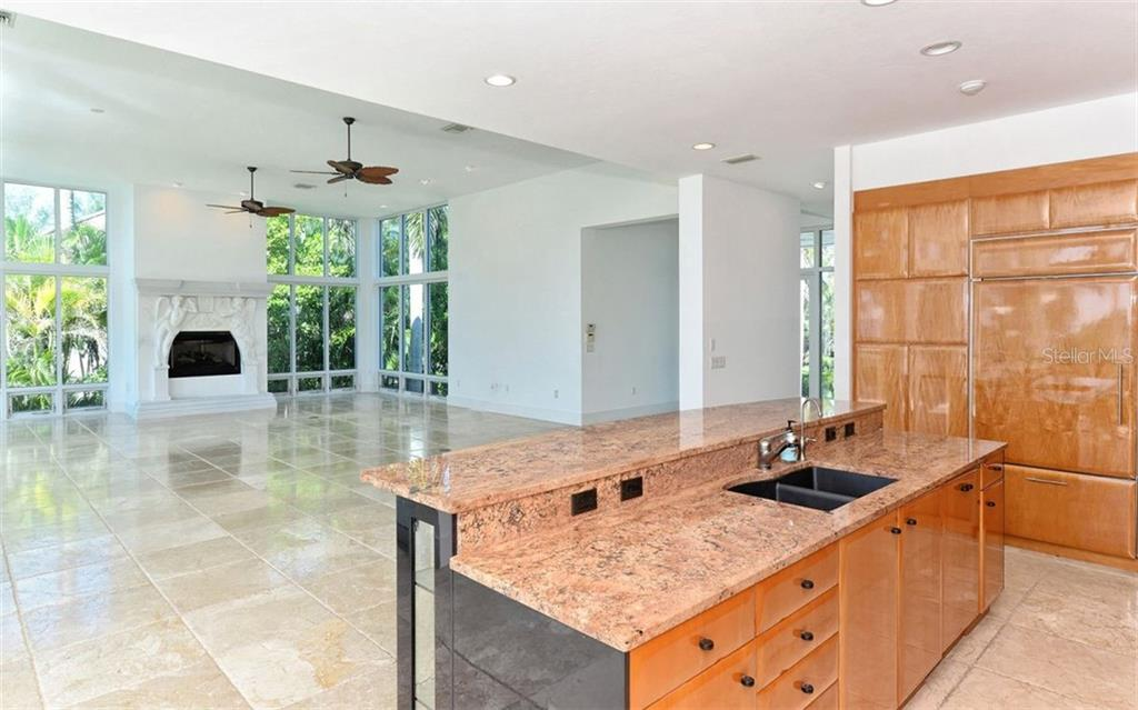 Single Family Home for sale at 7940 Sanderling Rd, Sarasota, FL 34242 - MLS Number is A4416141