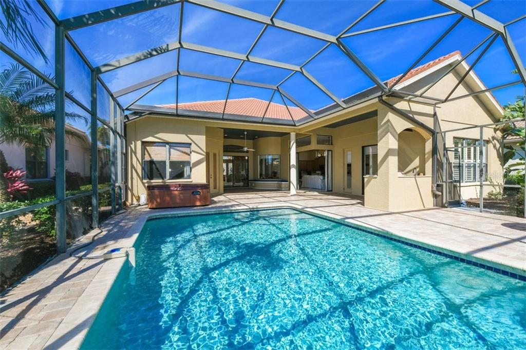 Sparkling Pool & Spa - Single Family Home for sale at 7060 Whitemarsh Cir, Lakewood Ranch, FL 34202 - MLS Number is A4417363