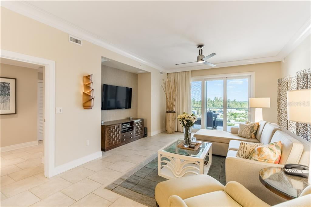 Condo for sale at 915 Seaside Dr #610, Sarasota, FL 34242 - MLS Number is A4417976