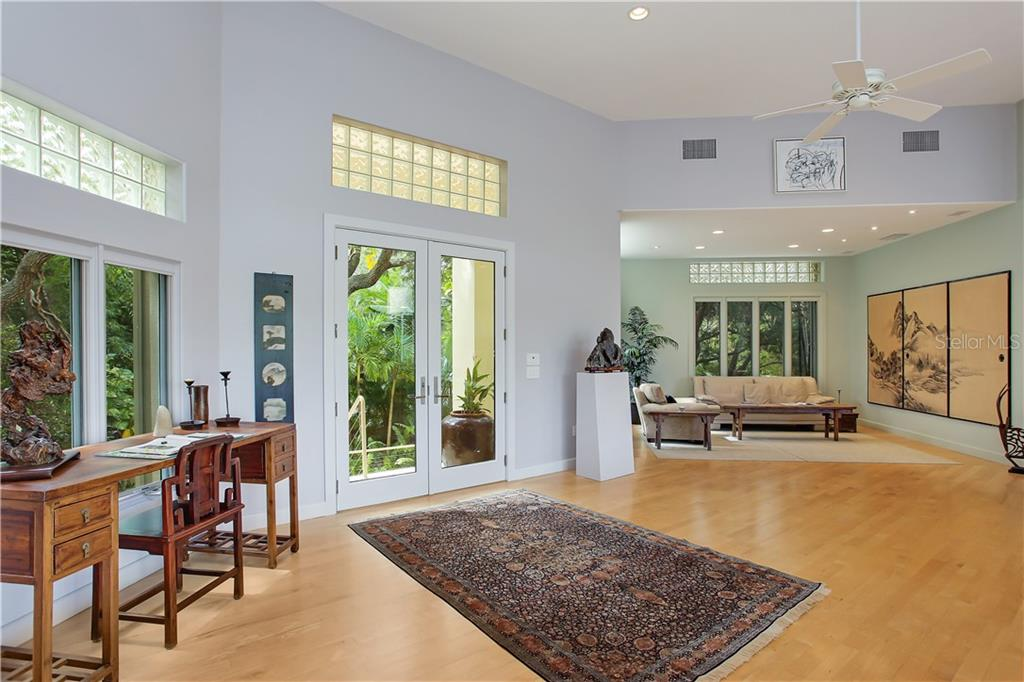 Single Family Home for sale at 7259 Turnstone Rd, Sarasota, FL 34242 - MLS Number is A4418410