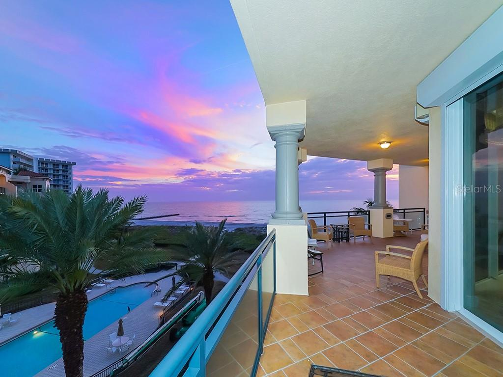 Captivating Views from Warp Around Terrace - Condo for sale at 2399 Gulf Of Mexico Dr #3c3, Longboat Key, FL 34228 - MLS Number is A4421722