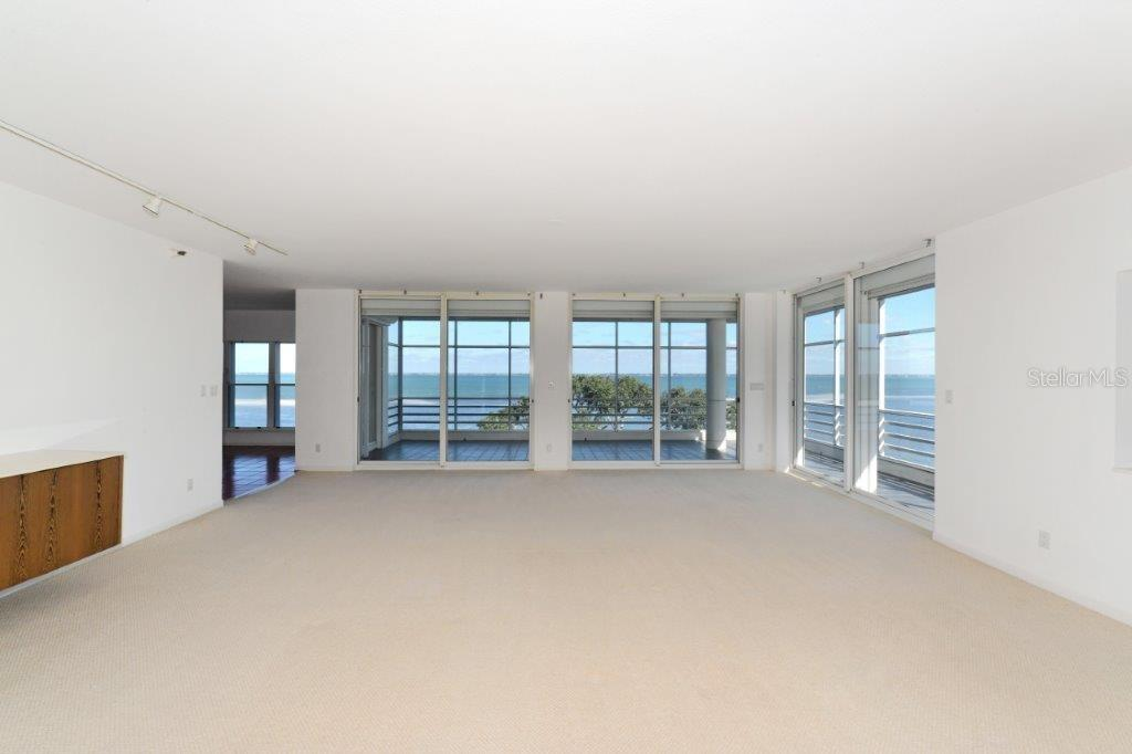 Condo for sale at 2450 Harbourside Dr #244, Longboat Key, FL 34228 - MLS Number is A4426139
