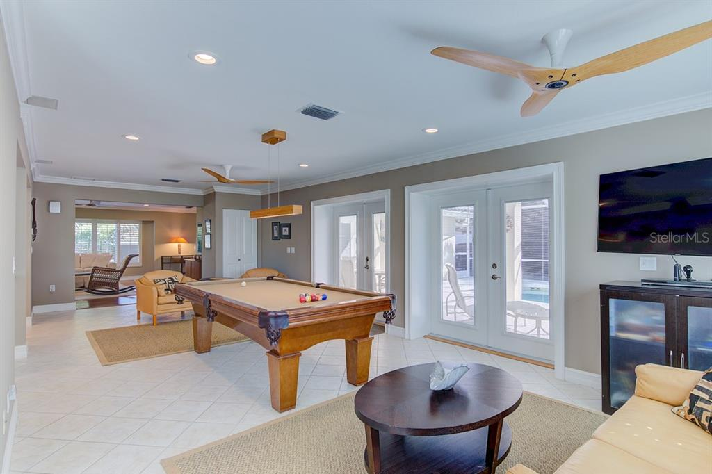 Entertainment Area - Single Family Home for sale at 622 Dundee Ln, Holmes Beach, FL 34217 - MLS Number is A4426329