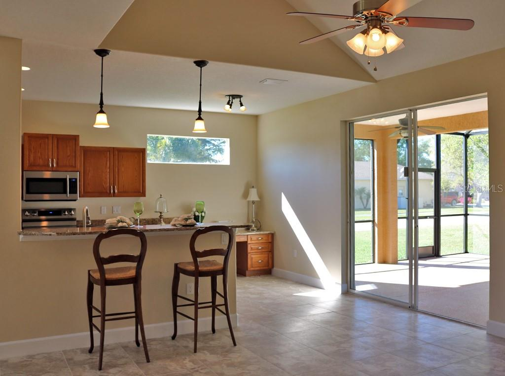 Single Family Home for sale at 6829 Short Creek, Sarasota, FL 34240 - MLS Number is A4429408