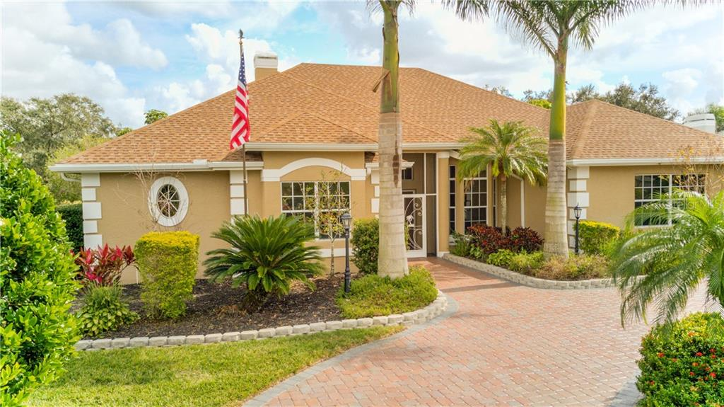 Beautiful entrance landscaping - Single Family Home for sale at 6321 W Glen Abbey Ln E, Bradenton, FL 34202 - MLS Number is A4429610