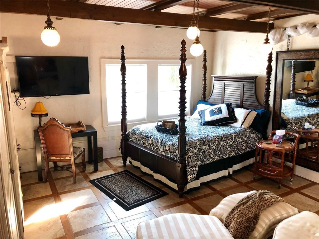 Guest bedroom - Single Family Home for sale at 707 N Osprey Ave, Sarasota, FL 34236 - MLS Number is A4429678