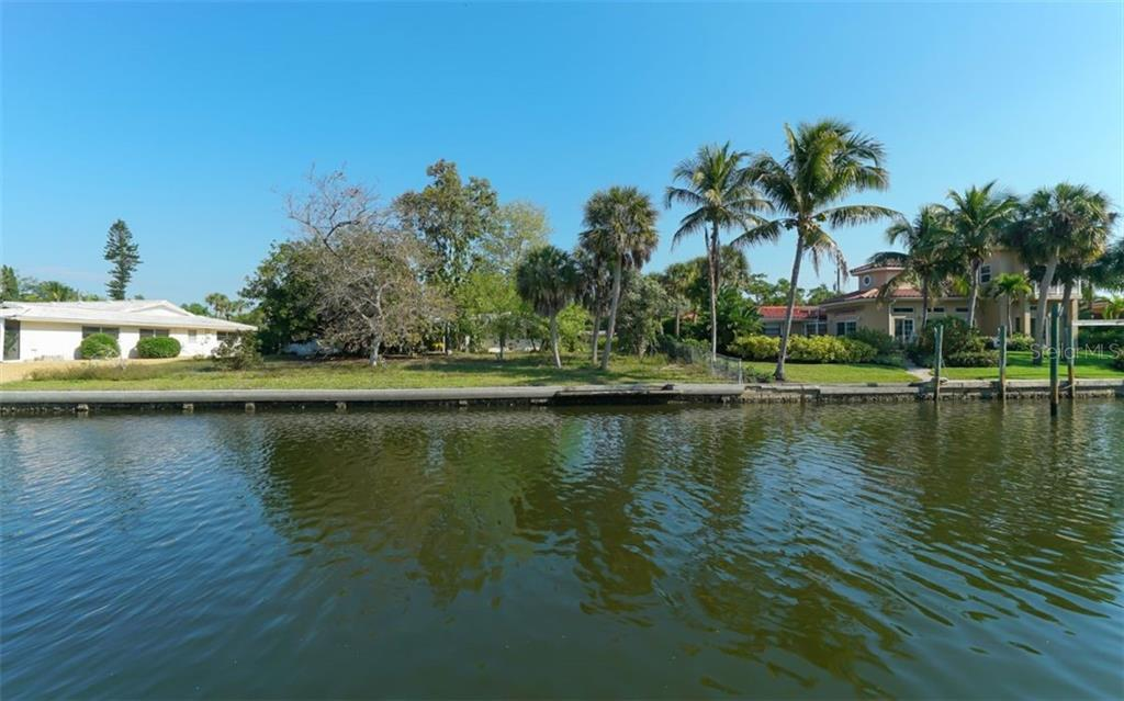 Nice wide canal - Single Family Home for sale at 935 Contento St, Sarasota, FL 34242 - MLS Number is A4431223