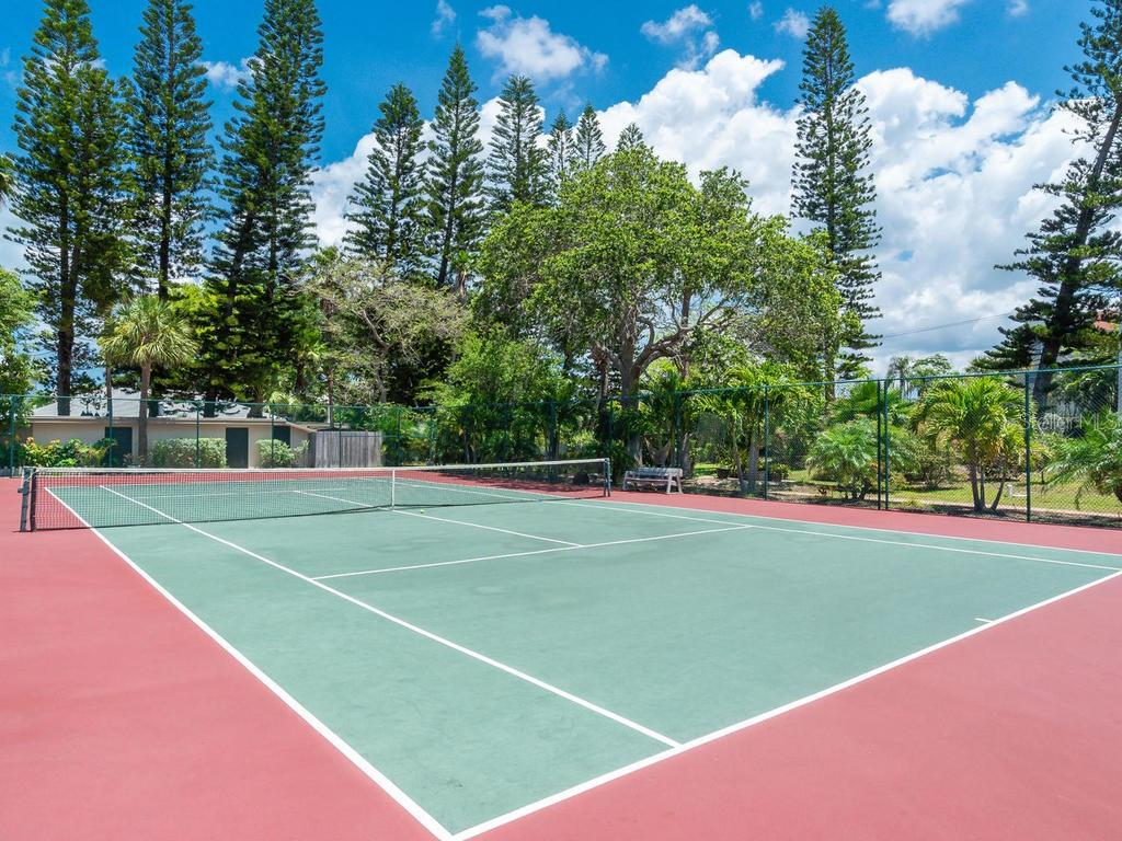 Community Tennis Court - Condo for sale at 4621 Gulf Of Mexico Dr #14d, Longboat Key, FL 34228 - MLS Number is A4435849