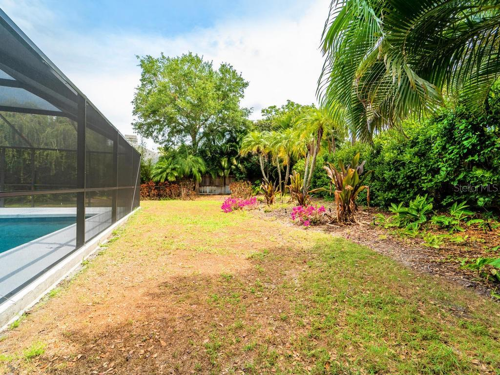 Lush Landscaping. - Single Family Home for sale at 4773 Pine Harrier Dr, Sarasota, FL 34231 - MLS Number is A4436182