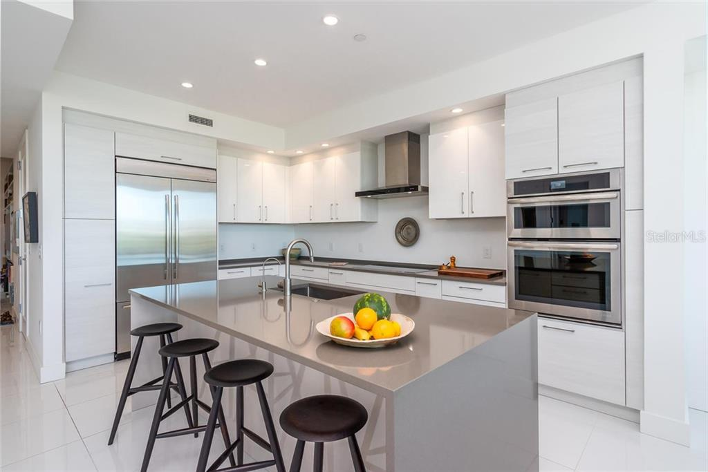Condo for sale at 1155 N Gulfstream Ave #304, Sarasota, FL 34236 - MLS Number is A4437004