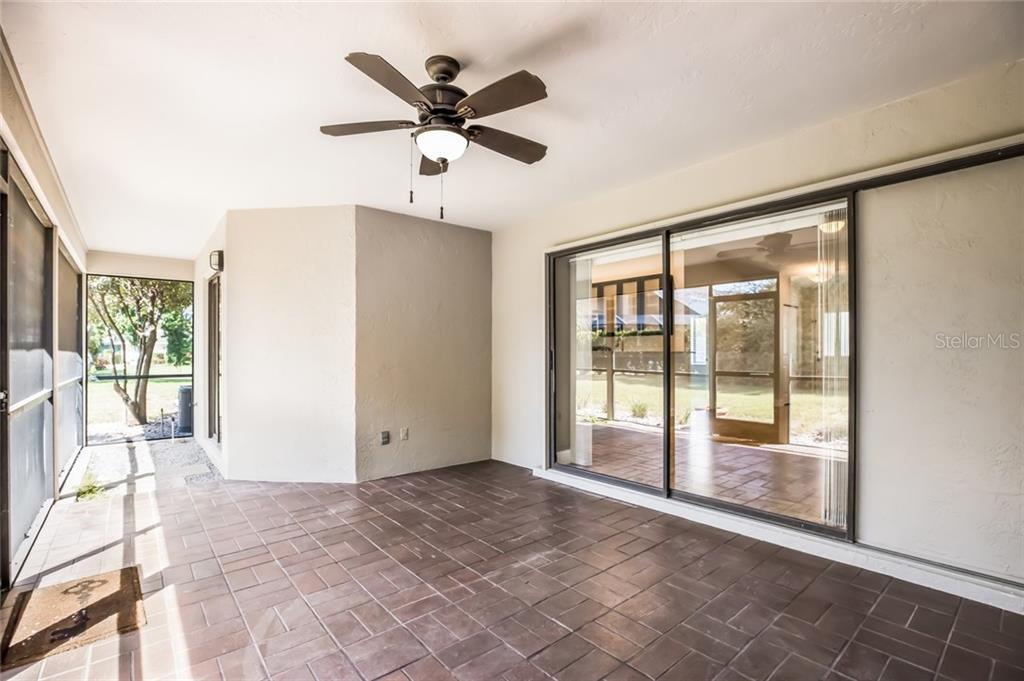 Single Family Home for sale at 5113 Estates Cir, Sarasota, FL 34243 - MLS Number is A4437745
