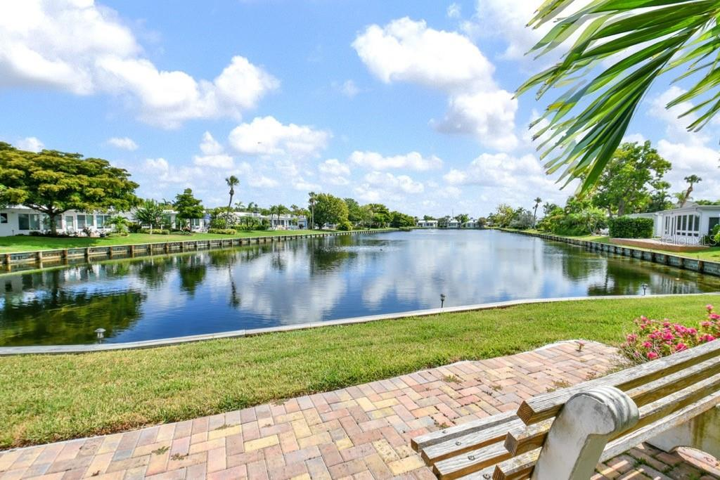 Lake close up - Villa for sale at 717 Spanish Dr N, Longboat Key, FL 34228 - MLS Number is A4438337