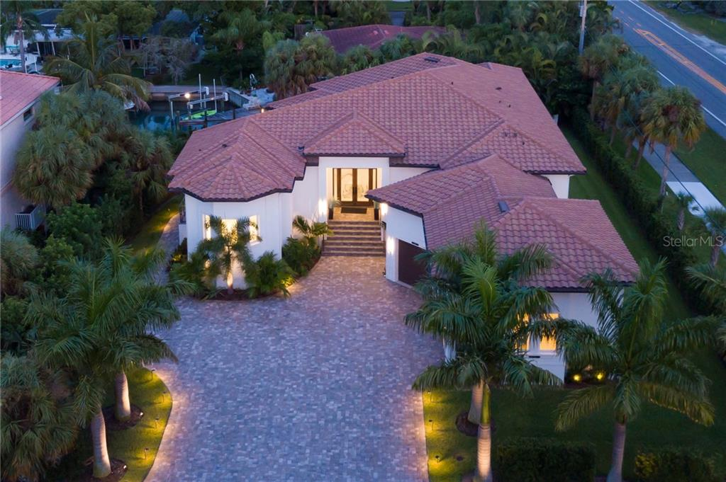 Single Family Home for sale at 500 Ketch Ln, Longboat Key, FL 34228 - MLS Number is A4443417