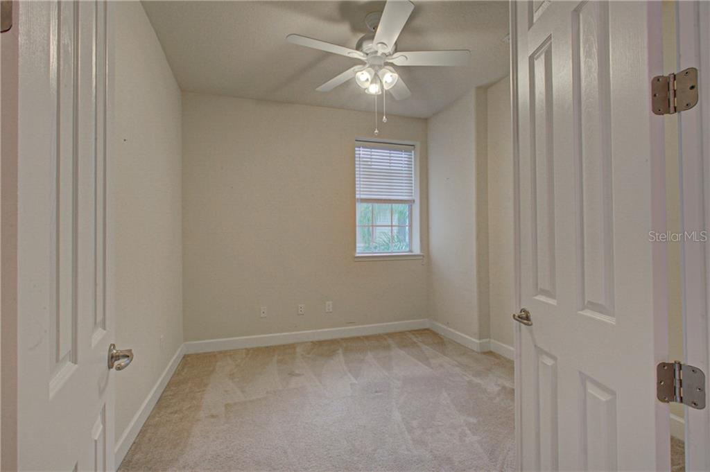 Den/office or 3rd bedroom if you add a closet - Condo for sale at 8009 Tybee Ct #8009, University Park, FL 34201 - MLS Number is A4443678