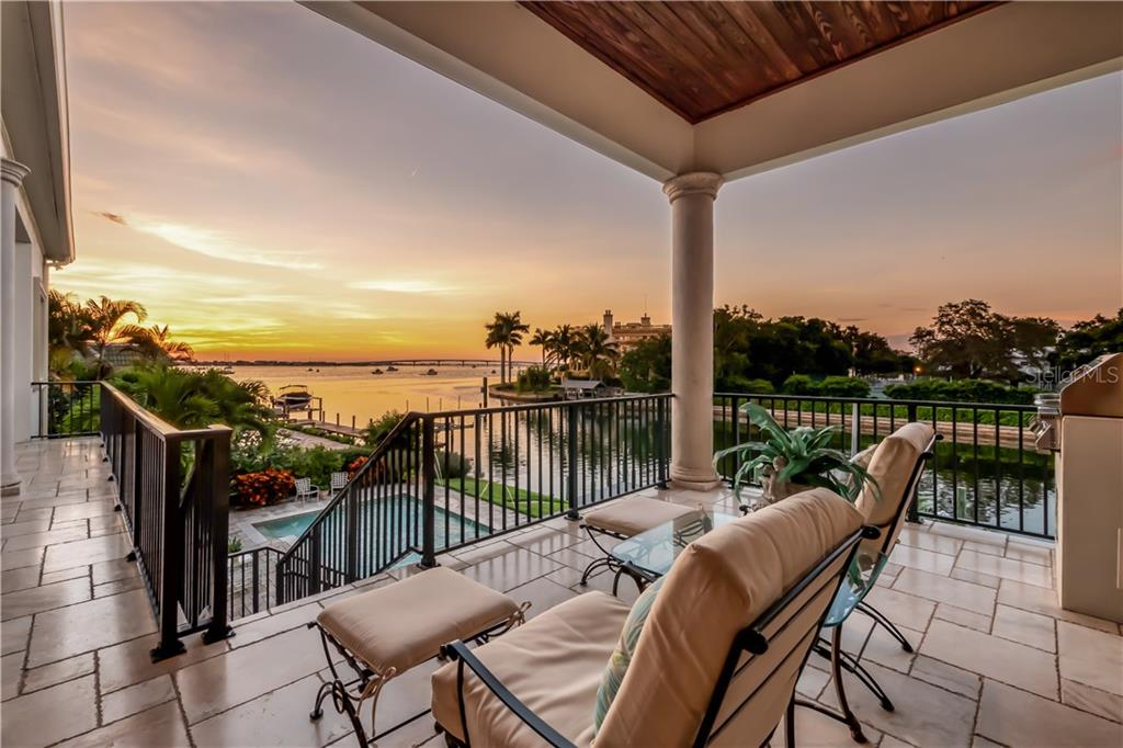 Single Family Home for sale at 1352 Harbor Dr, Sarasota, FL 34239 - MLS Number is A4447026