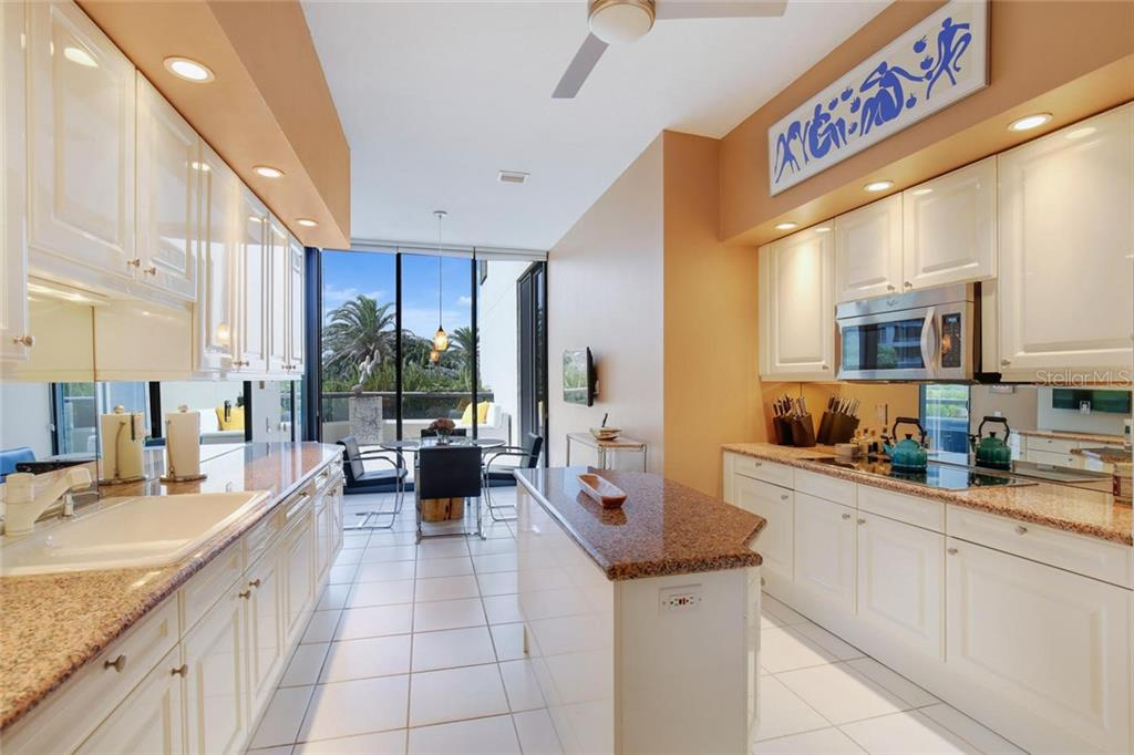 Condo for sale at 1241 Gulf Of Mexico Dr #105, Longboat Key, FL 34228 - MLS Number is A4447855