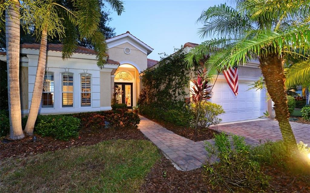 Single Family Home for sale at 8109 Abingdon Ct, University Park, FL 34201 - MLS Number is A4449725