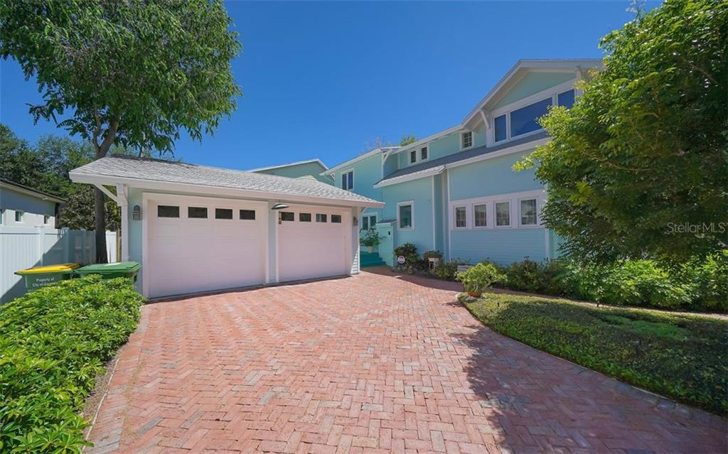 Single Family Home for sale at 1657 Alta Vista St, Sarasota, FL 34236 - MLS Number is A4450434