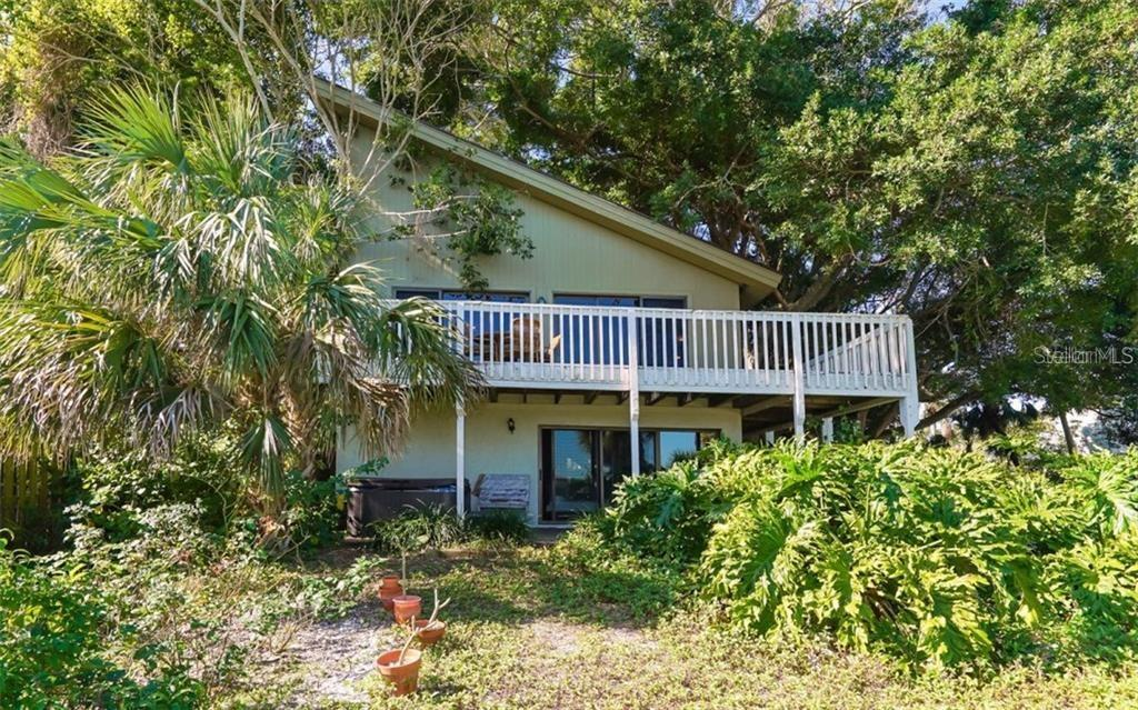 Single Family Home for sale at 3250 Casey Key Rd, Nokomis, FL 34275 - MLS Number is A4450586