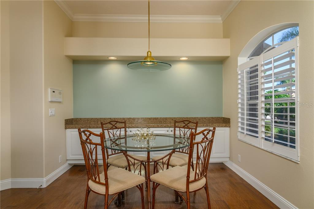 Breakfast Nook - Villa for sale at 4560 Samoset Dr, Sarasota, FL 34241 - MLS Number is A4455487