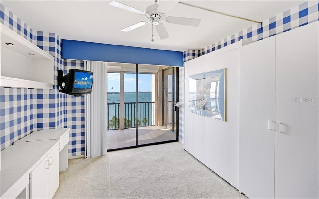 Condo for sale at 707 S Gulfstream Ave #1005, Sarasota, FL 34236 - MLS Number is A4456333