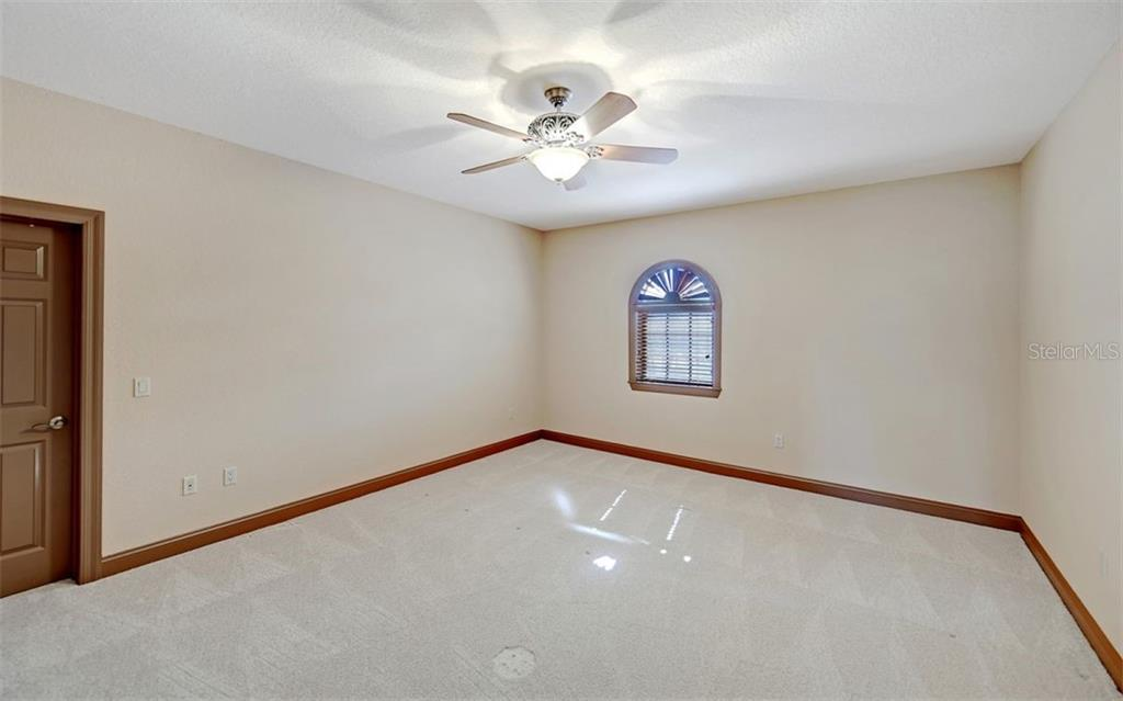 Single Family Home for sale at 562 N Macewen Dr, Osprey, FL 34229 - MLS Number is A4456557