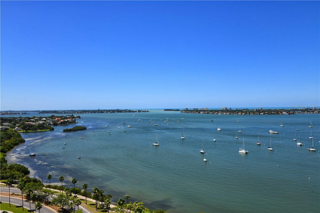 Condo for sale at 605 S Gulfstream Ave #Ph18, Sarasota, FL 34236 - MLS Number is A4458982