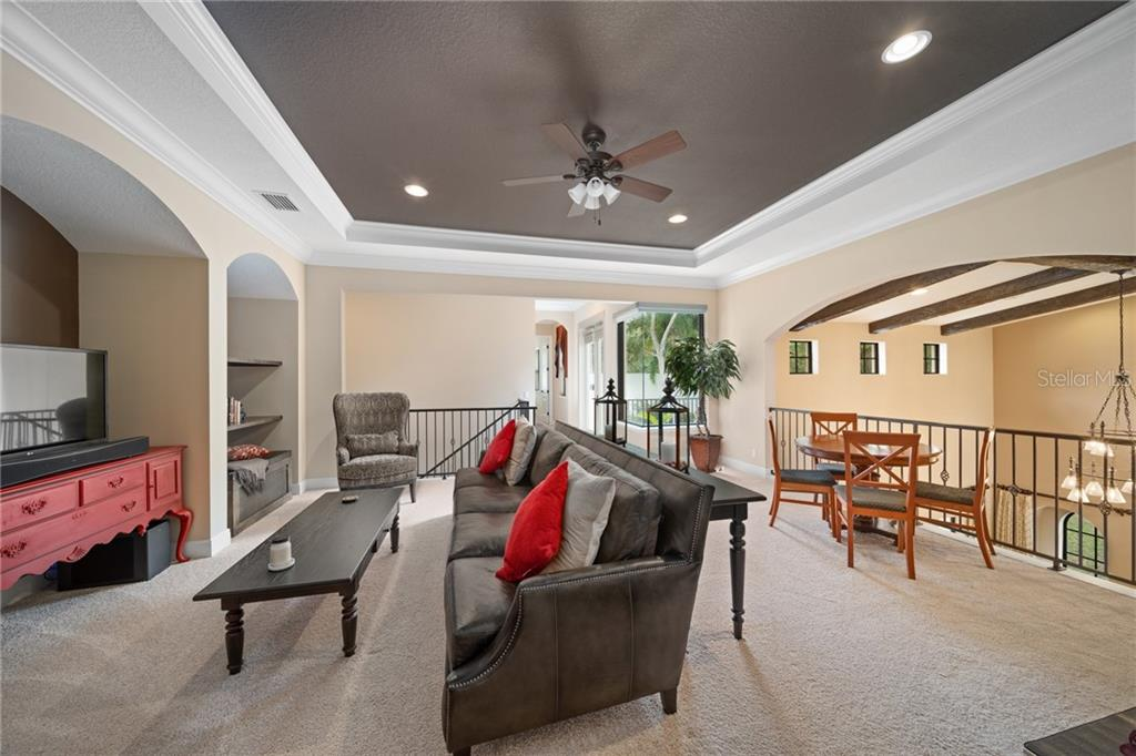 Single Family Home for sale at 1088 Tocobaga Ln, Sarasota, FL 34236 - MLS Number is A4459829