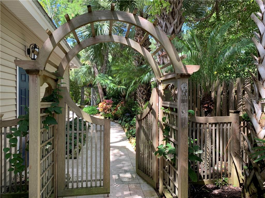 Entry gate to courtyard - Single Family Home for sale at 7340 Point Of Rocks Rd, Sarasota, FL 34242 - MLS Number is A4461841