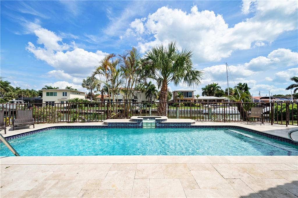 Single Family Home for sale at 560 Outrigger Ln, Longboat Key, FL 34228 - MLS Number is A4463525
