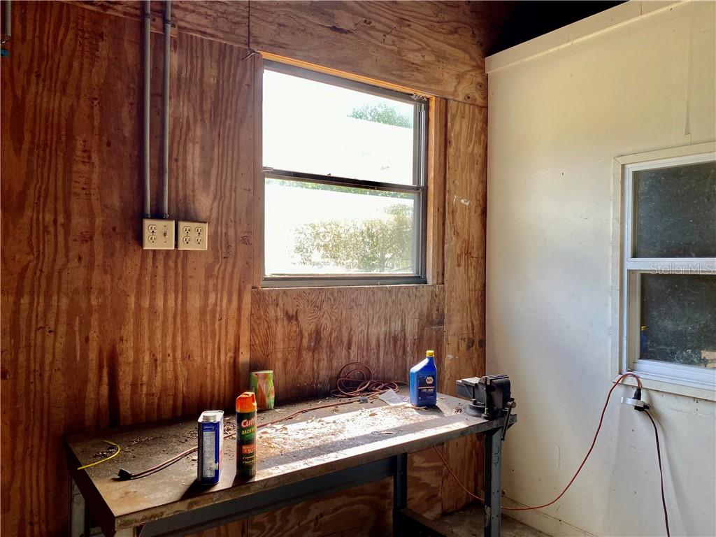 Work bench and window outside the air conditioned work space. - Single Family Home for sale at 4300 Eastern Pkwy, Sarasota, FL 34233 - MLS Number is A4464200