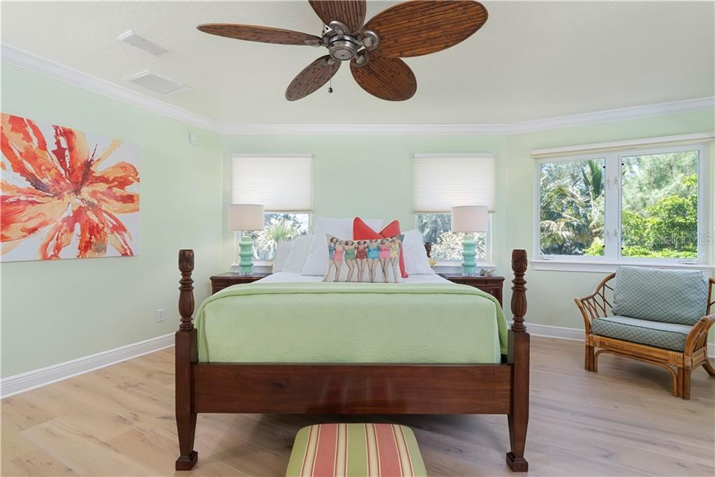 Master en suite bedroom - Single Family Home for sale at 97 52nd St, Holmes Beach, FL 34217 - MLS Number is A4468151