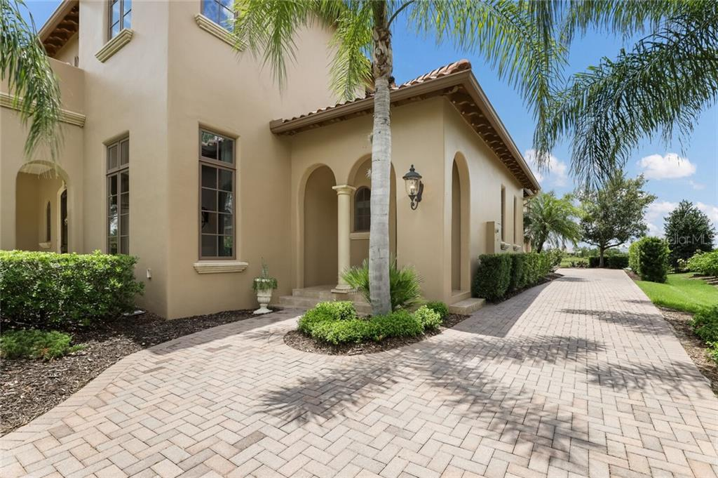 Single Family Home for sale at 15809 Clearlake Ave, Lakewood Ranch, FL 34202 - MLS Number is A4470975