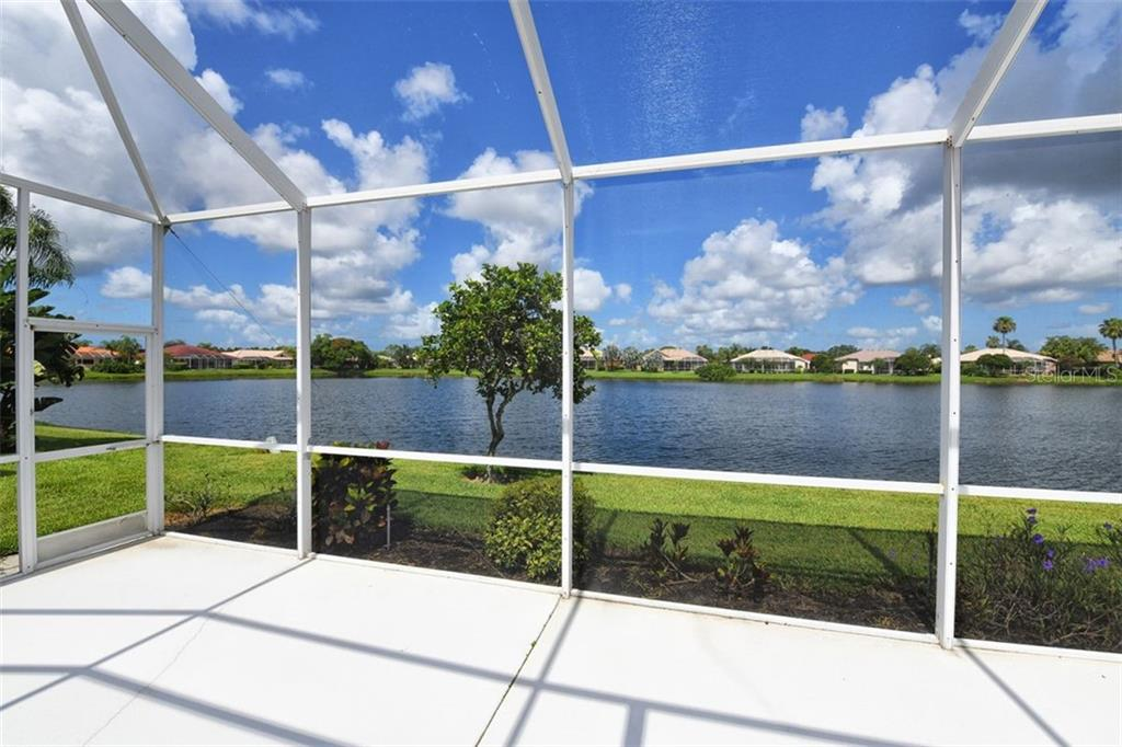 Villa for sale at 4590 Samoset Dr, Sarasota, FL 34241 - MLS Number is A4471881