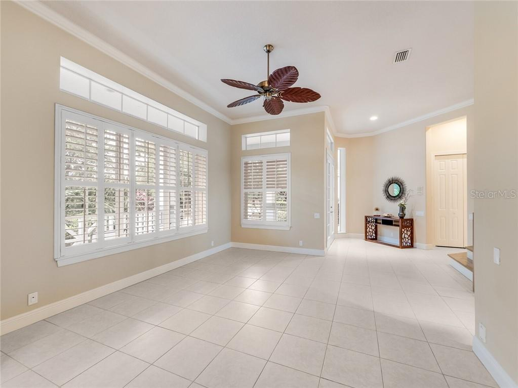 Single Family Home for sale at 4766 Mainsail Dr, Bradenton, FL 34208 - MLS Number is A4482294
