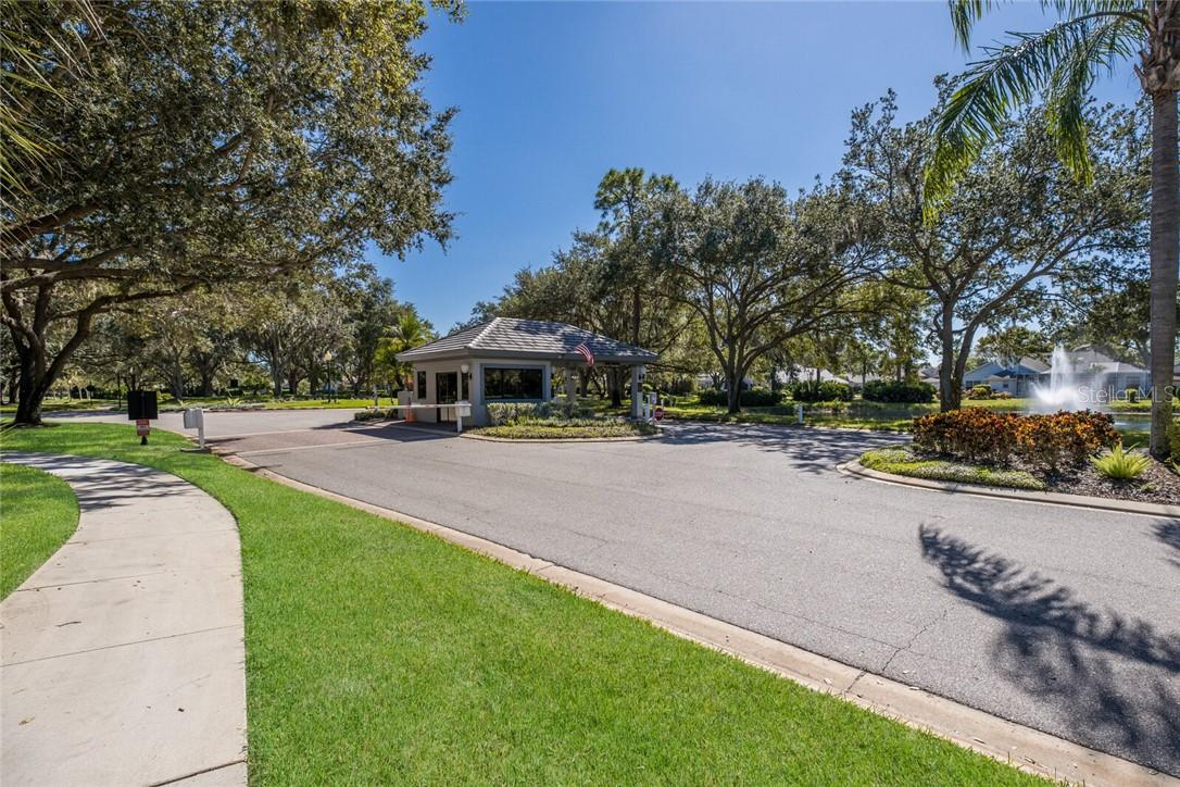 Single Family Home for sale at 8484 Woodbriar Dr, Sarasota, FL 34238 - MLS Number is A4483059
