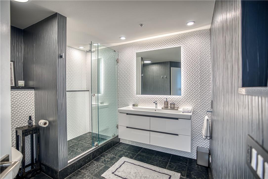 Bathroom attached to Bedroom - Condo for sale at 545 Sanctuary Dr #B706, Longboat Key, FL 34228 - MLS Number is A4483212