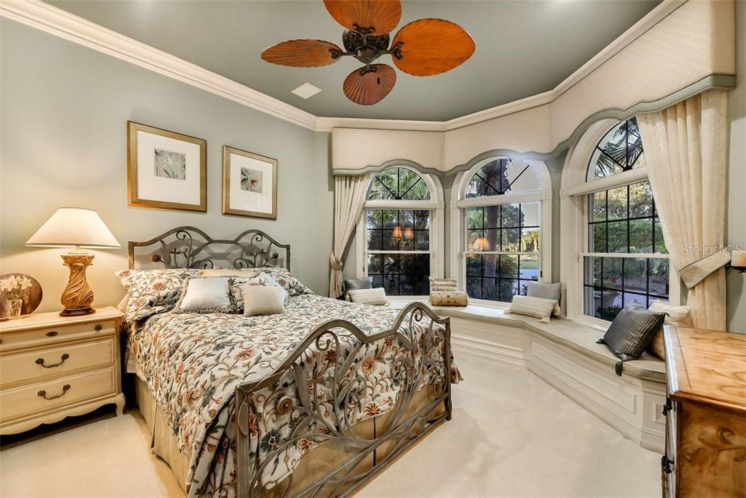 GUEST SUITE -3- WONDERFUL WINDOW SEAT W/ LARGE WINDOWS, CUSTOM CLOSET , ENSUITE 3/4 BATHROOM - Single Family Home for sale at 8263 Archers Ct, Sarasota, FL 34240 - MLS Number is A4483993