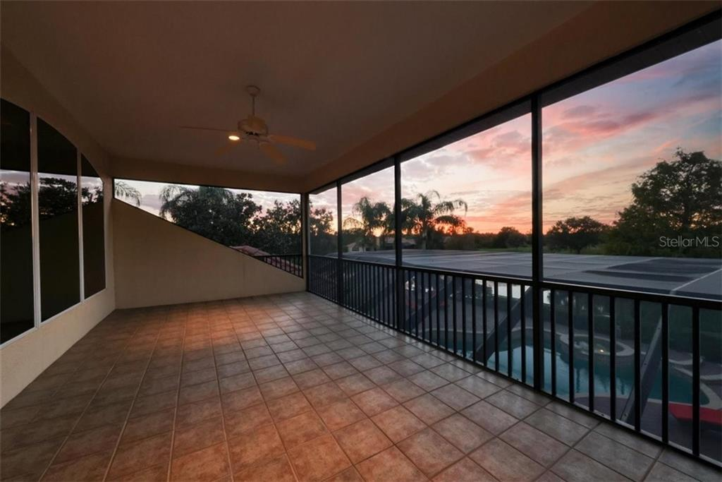 Single Family Home for sale at 7225 Ashland Gln, Lakewood Ranch, FL 34202 - MLS Number is A4485102