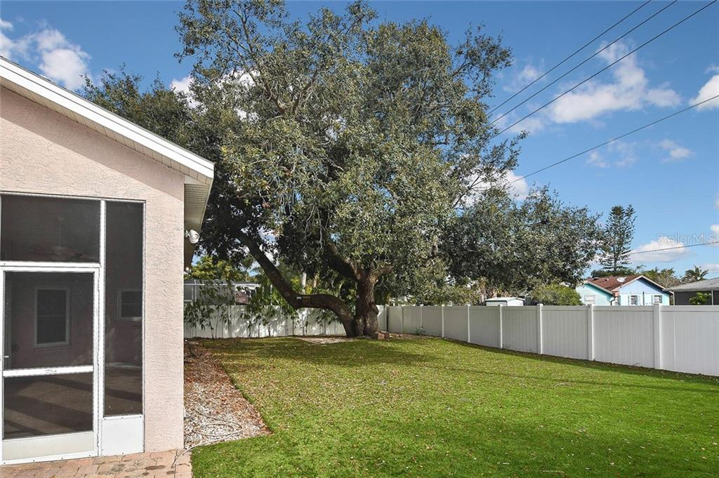 Yard - Single Family Home for sale at 4339 Manfield Dr, Venice, FL 34293 - MLS Number is A4488140