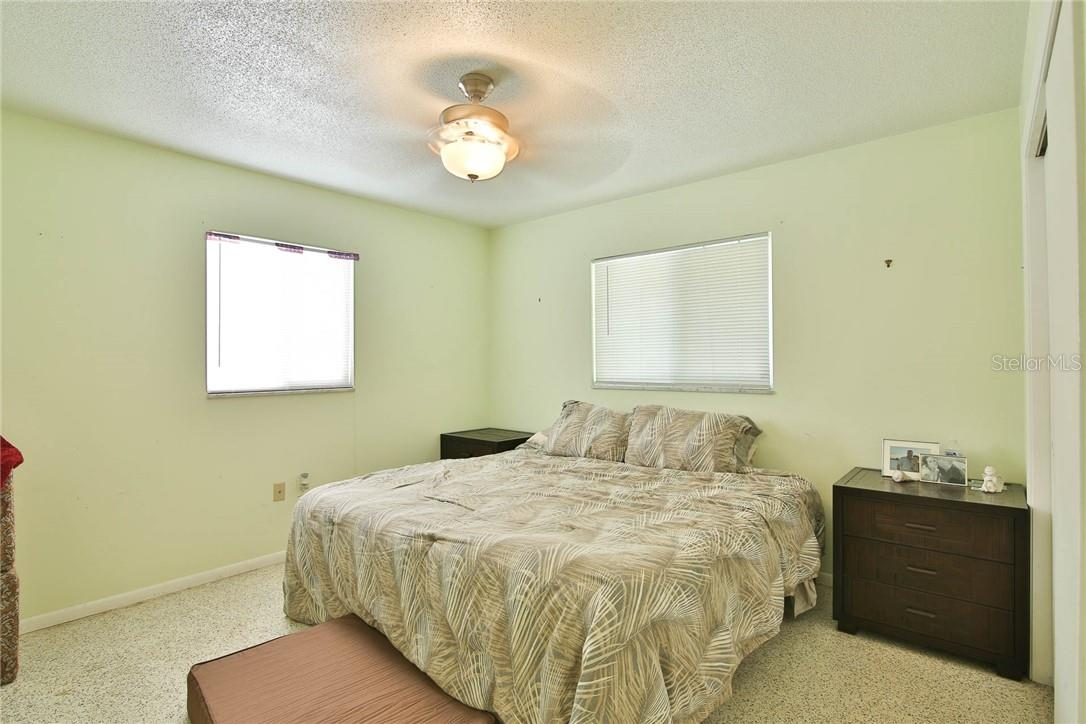 2BR / 1BA unit (6534 Peacock) - Duplex/Triplex for sale at 6536 Peacock Rd, Sarasota, FL 34242 - MLS Number is A4490204