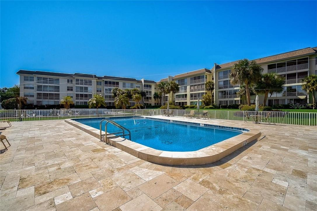 577 Sutton Place Longboat Key Florida 34228 | Heated Community Pool Bayside - Condo for sale at 577 Sutton Pl #T-25, Longboat Key, FL 34228 - MLS Number is A4492432