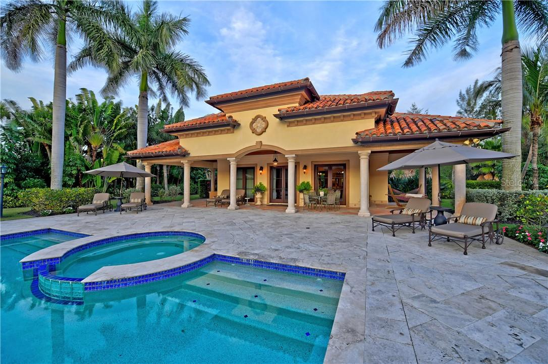 GUEST HOUSE - Single Family Home for sale at 1588 N Casey Key Rd, Osprey, FL 34229 - MLS Number is A4496273