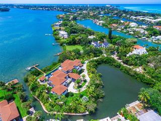 3799 Flamingo Ave, Sarasota, FL 34242