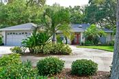 6820 Arbor Oaks Cir, Bradenton, FL 34209