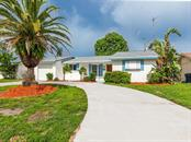 6036 Hopkins Dr N, Bradenton, FL 34207