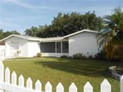 Single Family Home for sale at 5326 Colewood Pl, Sarasota, FL 34232 - MLS Number is A4471495