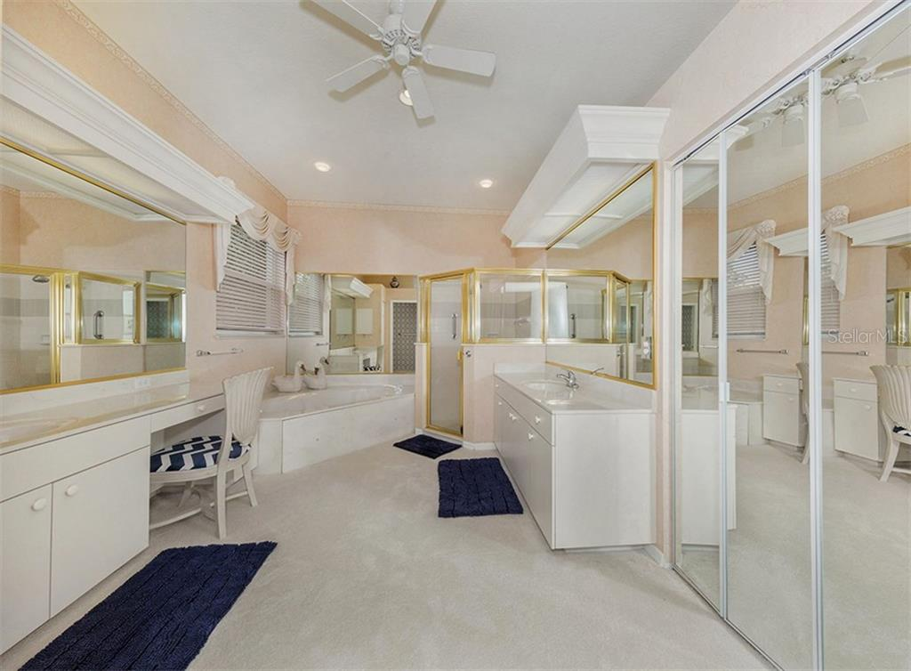 Master Bath - Single Family Home for sale at 122 Ventana Way, Venice, FL 34292 - MLS Number is N5912714